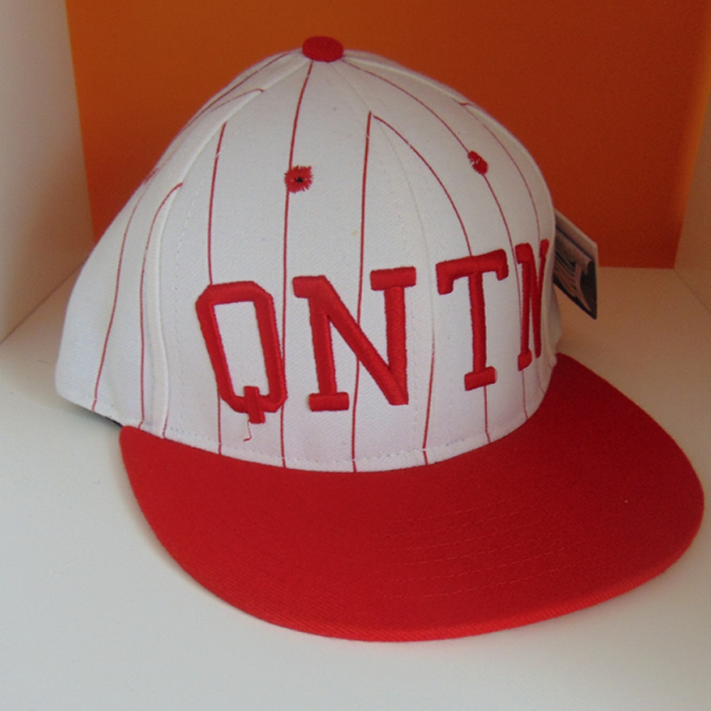 Quintin Snapback White and Red