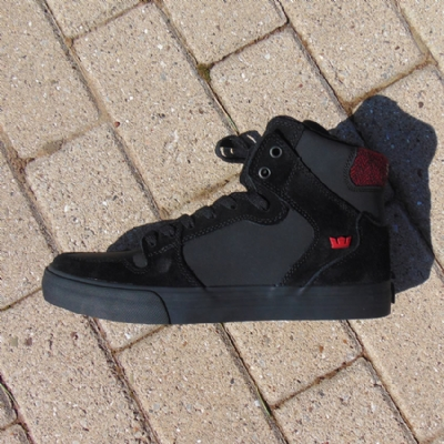 Supra Vaider Black/Red-Herringbone Mid Top trainers