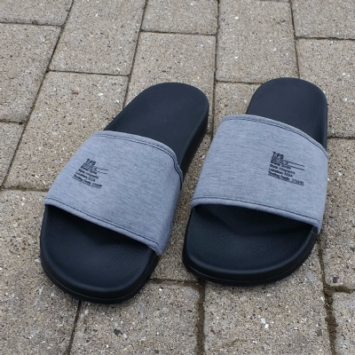 Slydes Bay Tech M Black Flip Flops