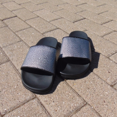 Slydes North Textured Black Slides
